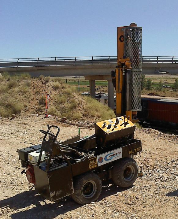 Penetrómetro trabajando para ADIF.Obra: Torquemada (Palencia)